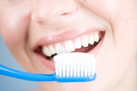 Chảy máu chân răng, triệu chứng không thể coi thường