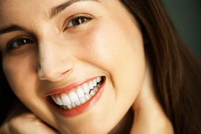 Bọc răng sứ có tốt không?