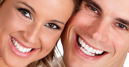 Hàm răng đều đẹp sau khi bọc răng sứ thẩm mỹ