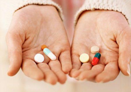 Bị chảy máu chân răng nên uống thuốc gì?