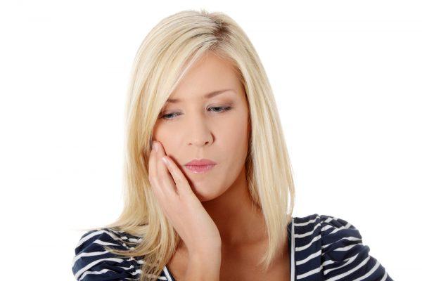 Chăm sóc sau khi nhổ răng khôn