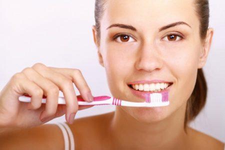 Tẩy trắng răng khi mang thai có được không ?
