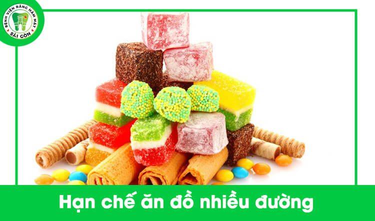 hạn chế ăn đồ ngọt khi niềng răng