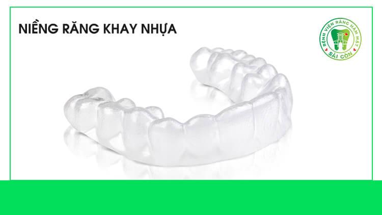 niềng răng bằng nhựa là gì