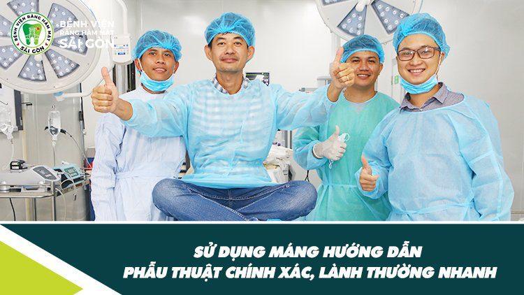 sử dụng máng hướng dẫn phẫu thuật chính xác